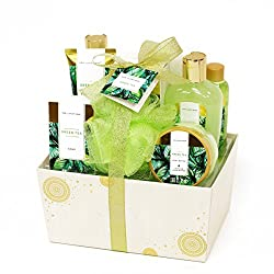 Gifts That Are Green: Green Tea Fragrance Spa Gift Set
