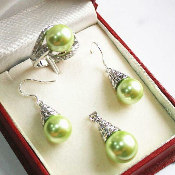 green shell pearl set
