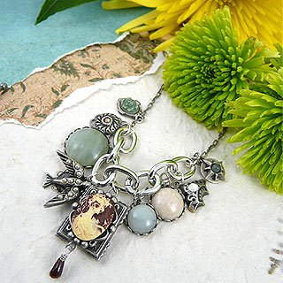 Vintage-Inspired Cameo Locket Necklace